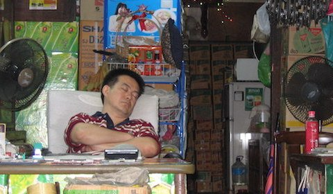 Macht Schlafmangel dick und dumm?
