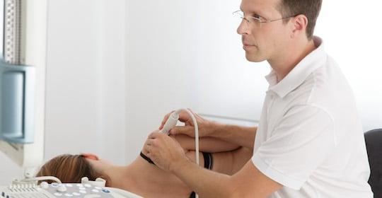 Schulterschmerzen akut oder chronisch - was tun? - MVZ Maintal